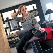 Chic intemporel pour cette blouse fluide. Son motif pied de coq noir est l'un des musts de la saison 🤩 ❤  #blackandwhiteoutfit #frenchstyle #chic français #eleganceintemporelle #fashionista # frenchstyle #mademoiselledeparis💕